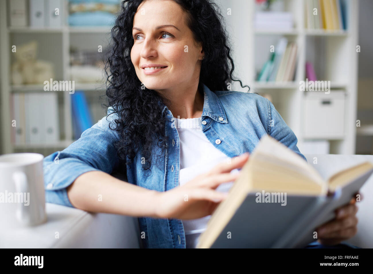 Reading tale - Stock Image