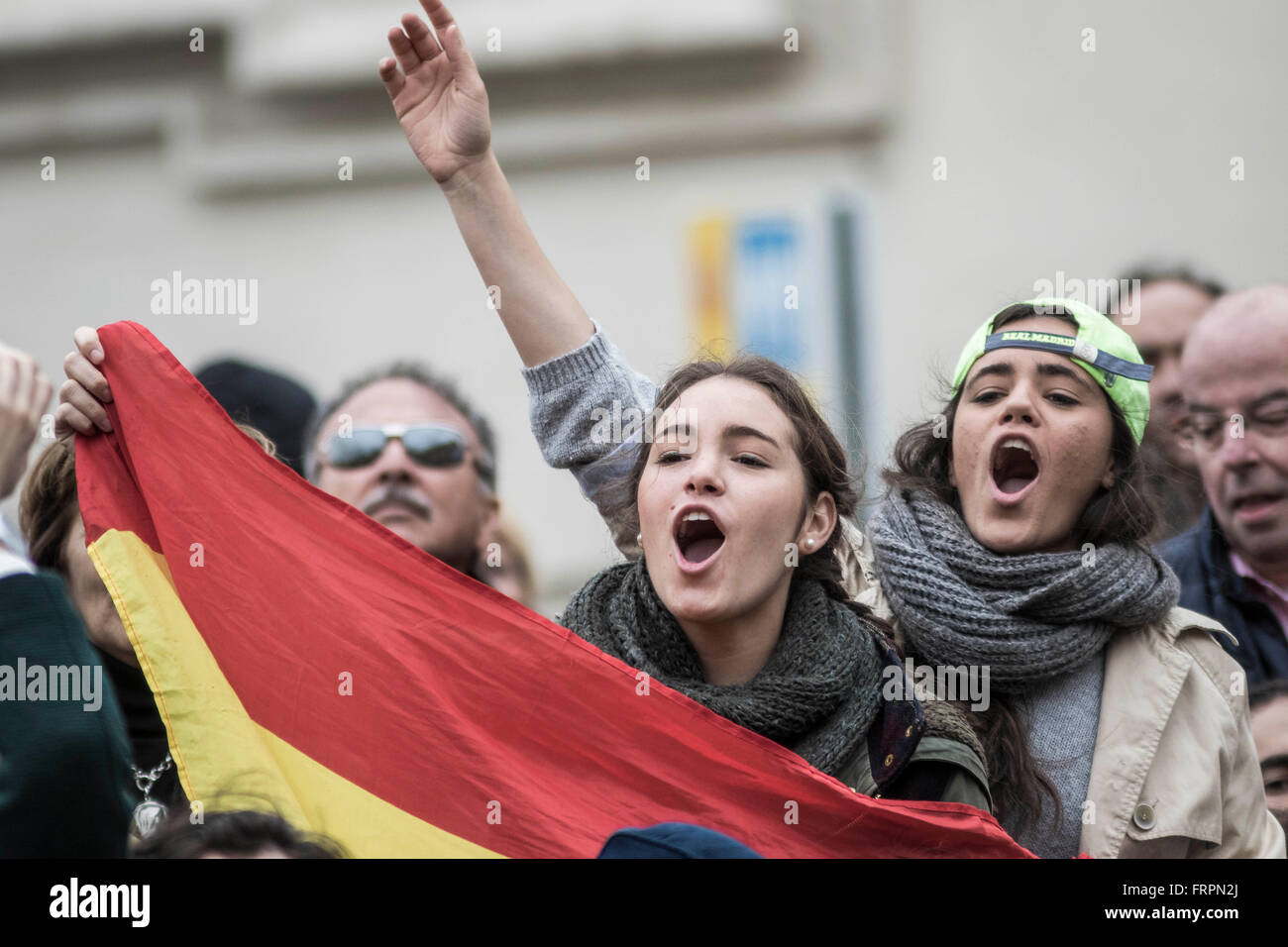 Vatican City, Vatican. 23rd Mar, 2016. Spanish pilgrims shouts slogans durings a Weekly General Audience celebrated - Stock Image