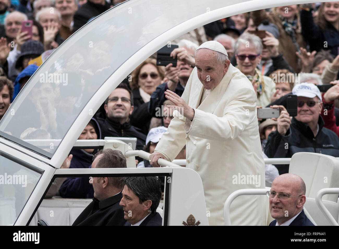 Vatican City, Vatican. 23rd Mar, 2016. Pope Francis greets the faithful as he holds his Weekly General Audience - Stock Image