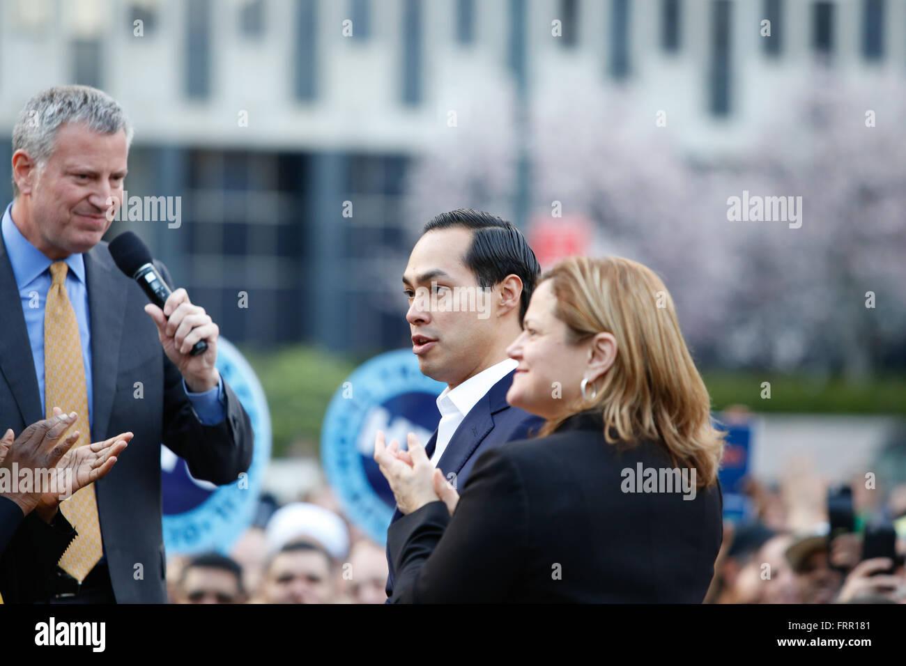 New York City, USA, 23 March 2016: HUD secretary Julian Castrol with NY speaker Melissa Mark-Viverito during a Foley Stock Photo