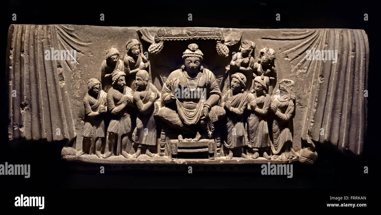 Maiterya the Buddha of the future  2 - 3 th Century  Northwestern Pakistan, Schist, Gandhara ( Maiterya the Buddha - Stock Image