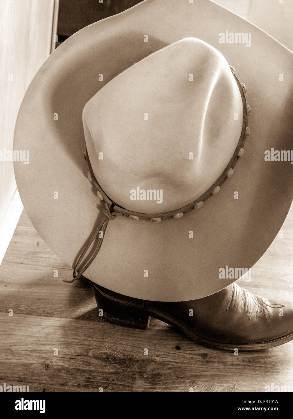 88b168ea Ten Gallon Hat Stock Photos & Ten Gallon Hat Stock Images - Alamy
