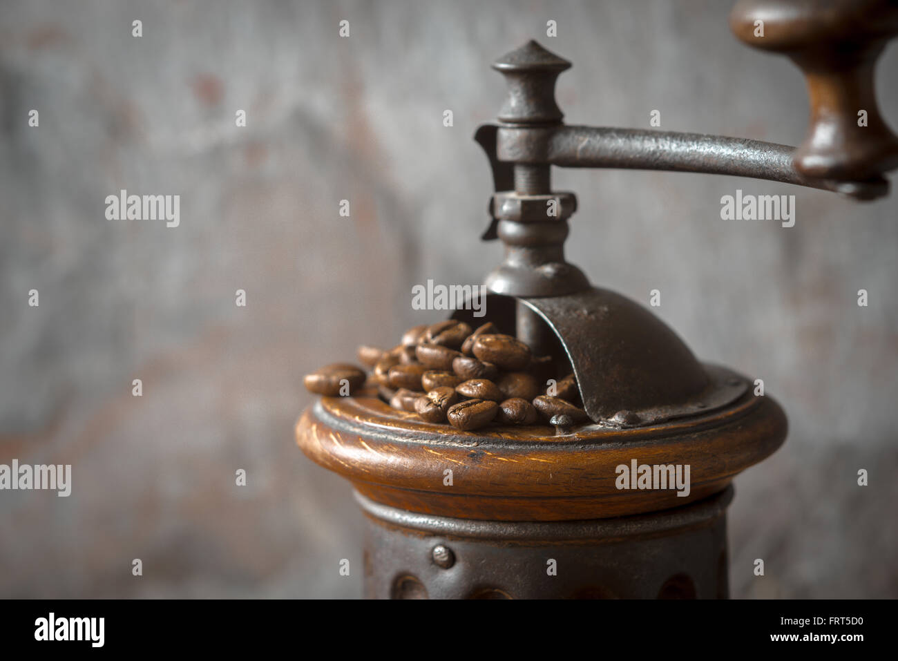 Coffee mill with coffee beans horizontal - Stock Image