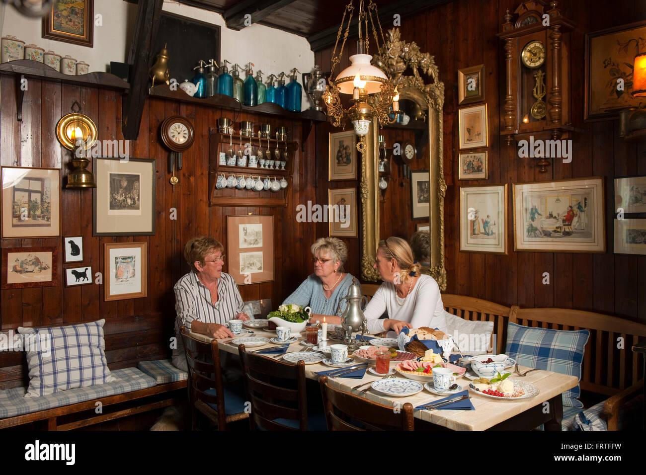 Deutschland bergisch gladbach ortsteil herrenstrunden bergische stock photo 100727981 alamy - Mobel bergisch gladbach ...