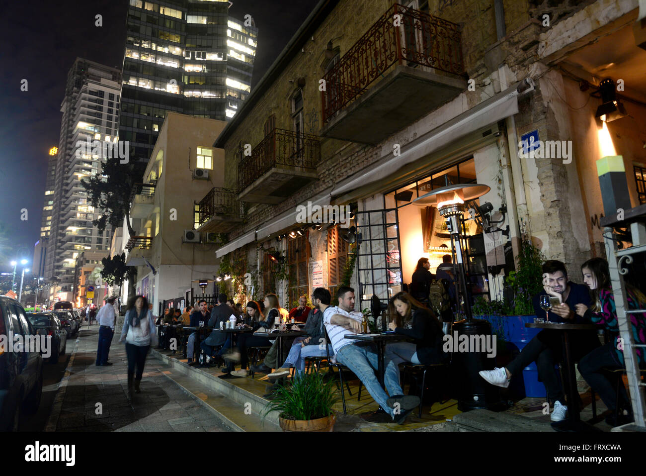 In the evening on Rothschild Boulevard, Tel Aviv, Israel - Stock Image