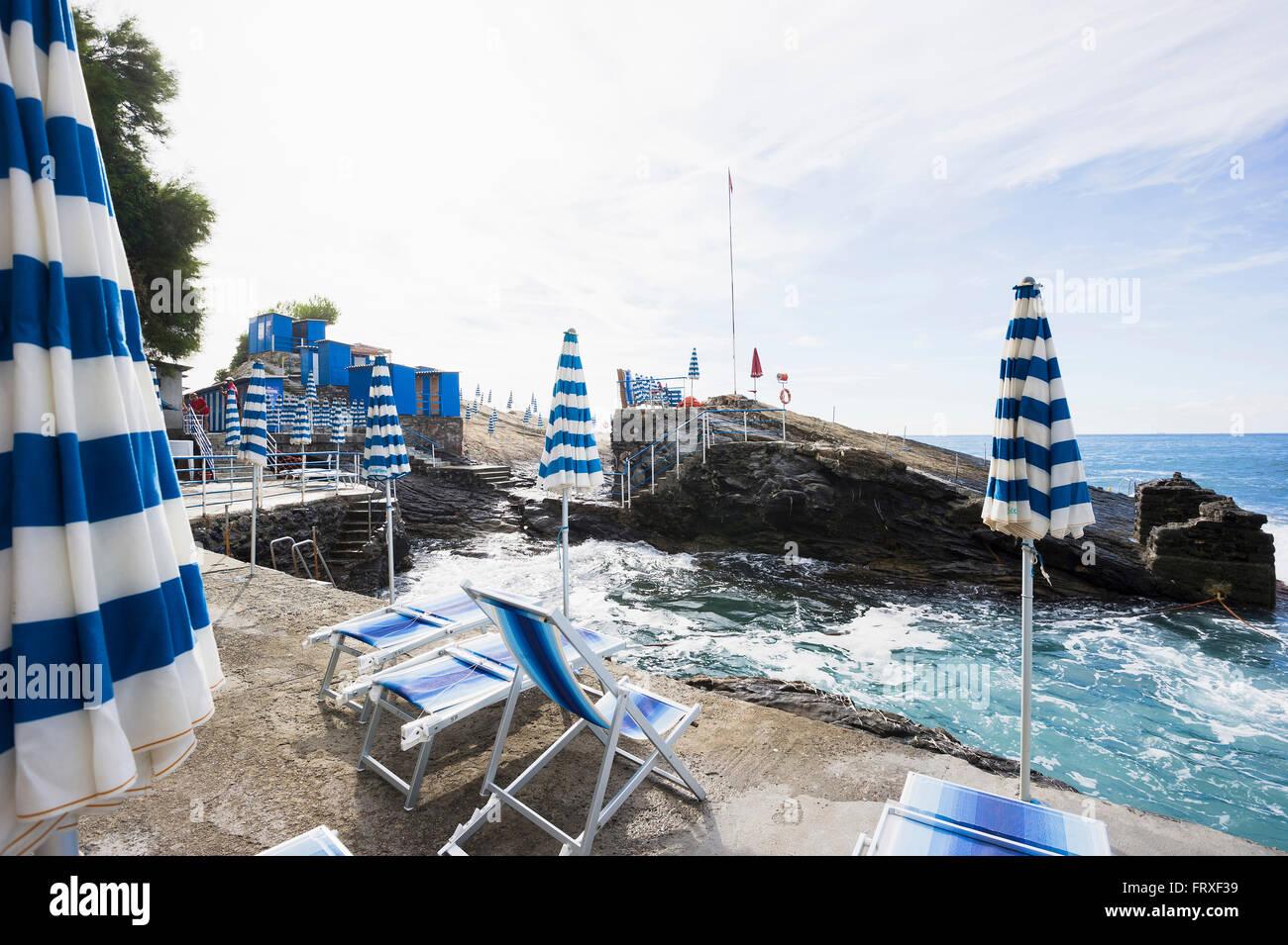 Bagni scogliera nervi genoa liguria italia stock photo