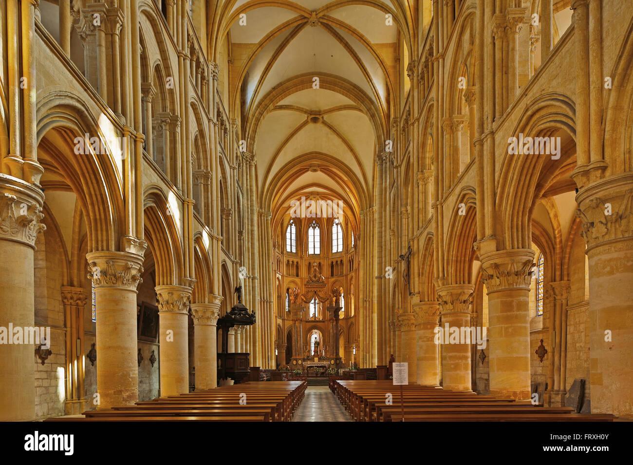 Inside the former monastery church, Mouzon, Gothic style, Vallée de Meuse, Dept. Ardennes, Region Champagne - Stock Image