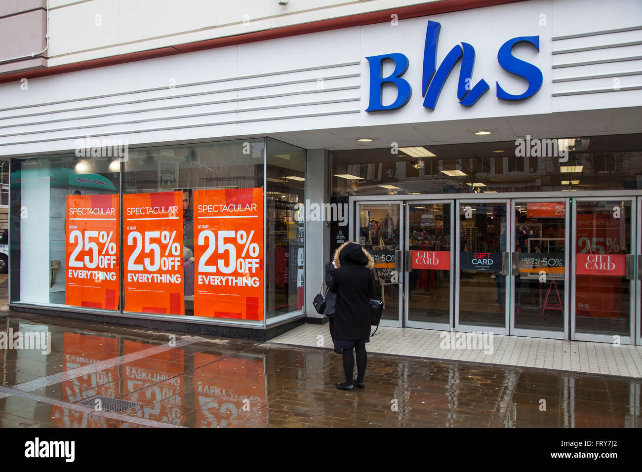 Blackburn, Lancashire, UK 24th March, 2016.  BHS British Home Stores Spectacular Sale.  Stock Clearance after poor - Stock Image