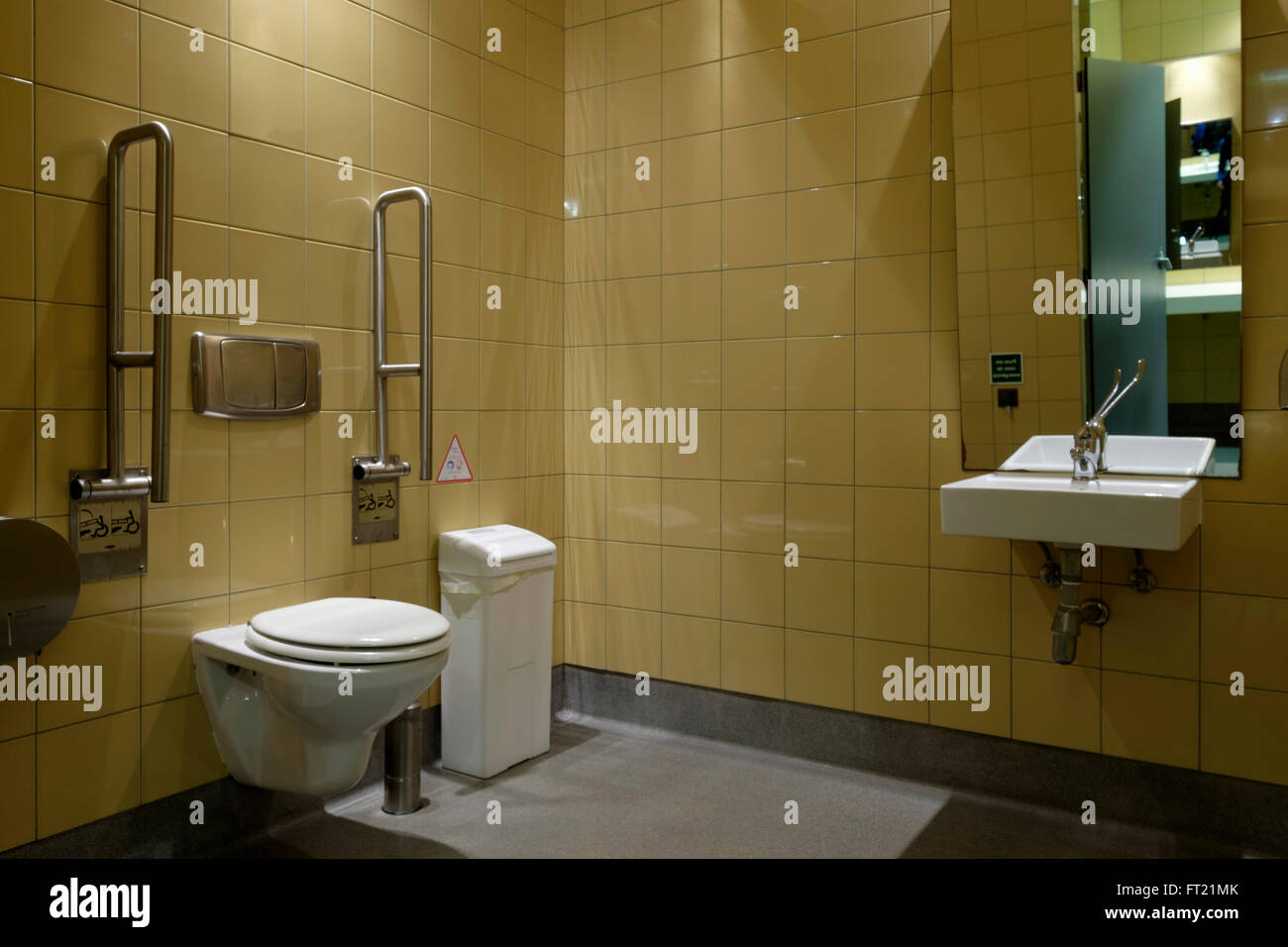 Disabled Toilet Stock Photos & Disabled Toilet Stock Images - Alamy