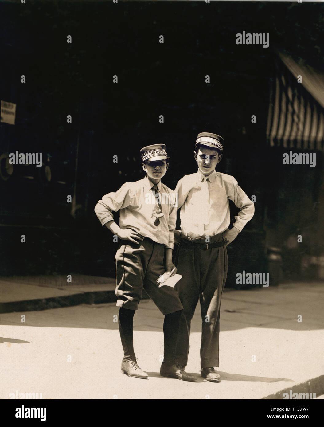 Two Young Telegraph Messengers, Broadway, New York City, New York, USA, circa 1910 - Stock Image