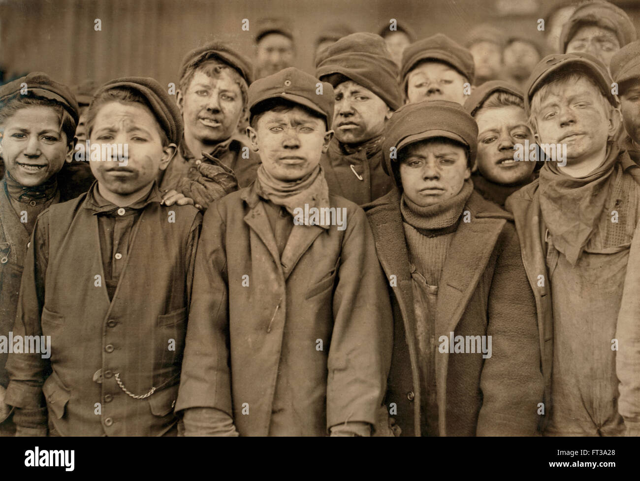 1911 YOUNG COAL MINER BOYS Pittston Pa Child Labor PHOTO
