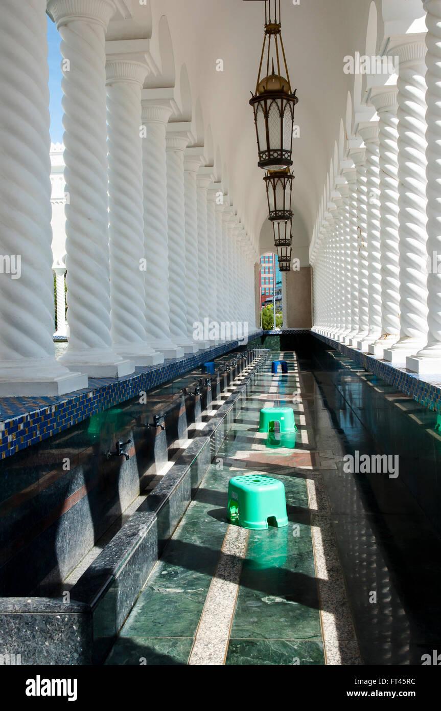 Exterior Corridor of Sultan Omar Ali Saifuddin Mosque - Bandar Seri Begawan - Brunei - Stock Image