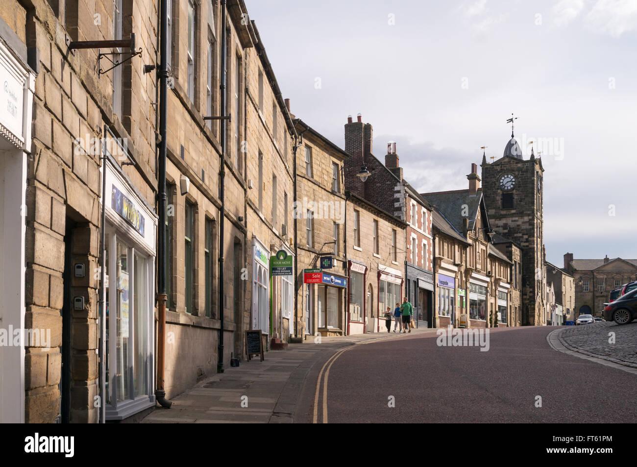 Stone buildings in Fenkle Street, Alnwick, Northumberland, England, UK - Stock Image