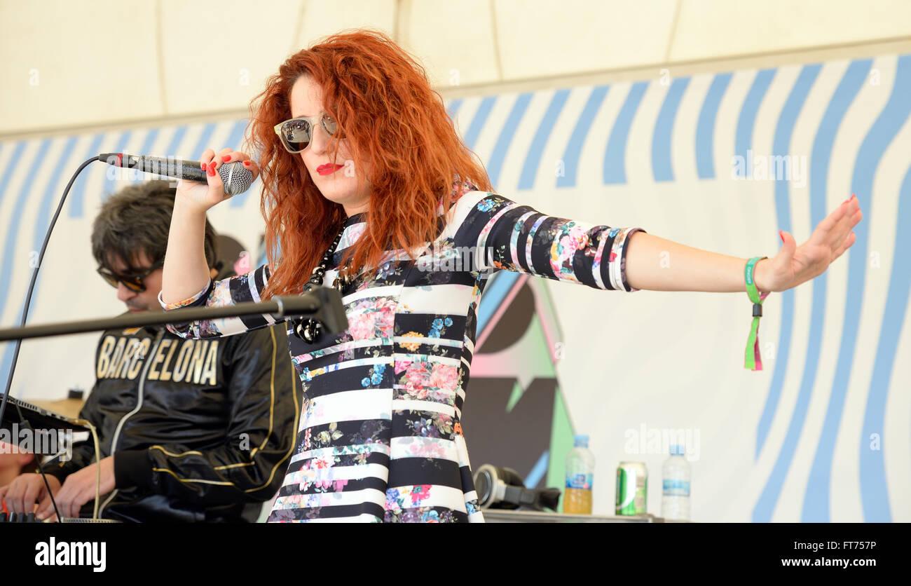 corpus-redhead-laura