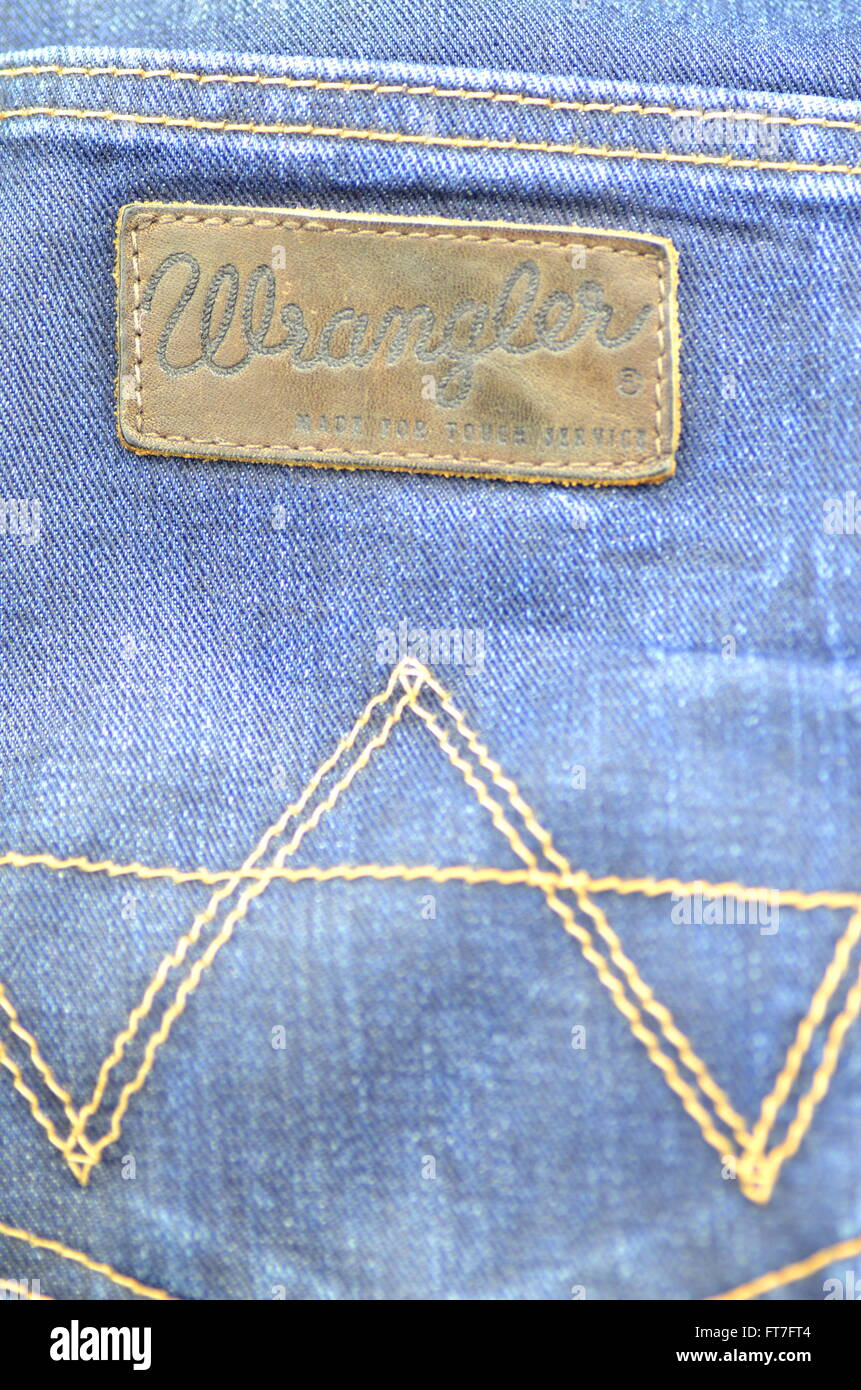 ef579d26 Closeup of Wrangler label on blue jeans Stock Photo: 100969684 - Alamy