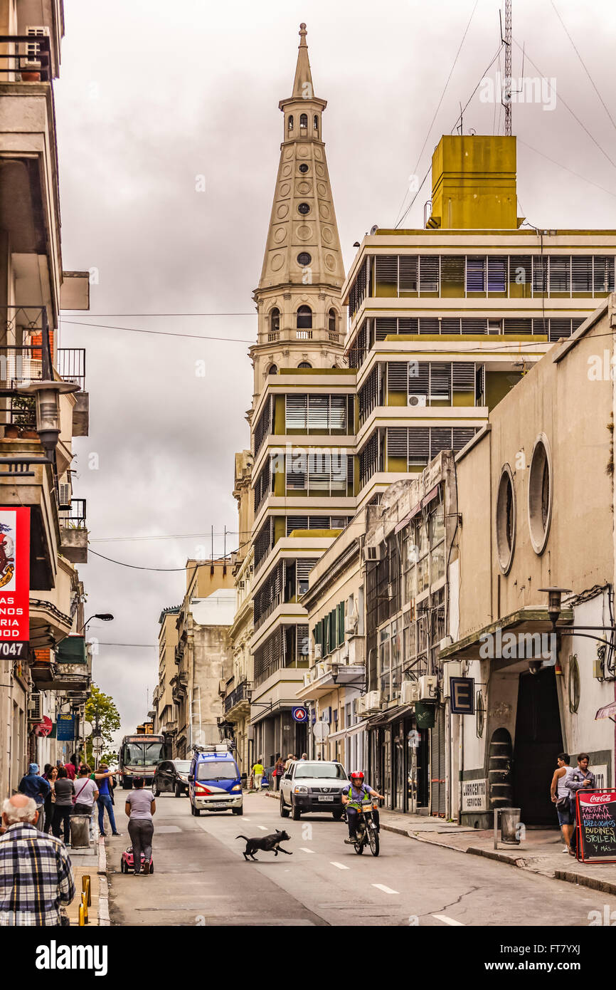 STREETSCENE IN MONTIVIDEO, URUGUAY - CIRCA DECEMBER 2015. - Stock Image