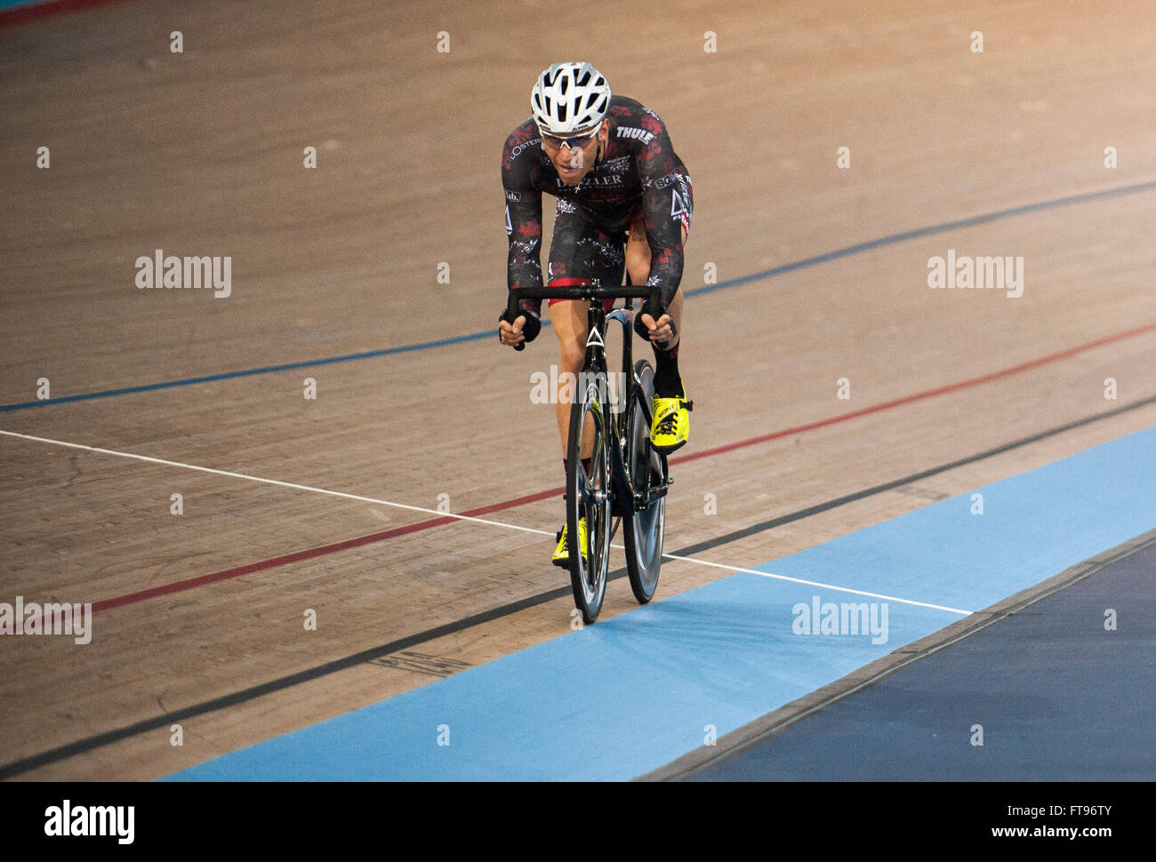 Queen Elizabeth Olympic Park, London, UK. 25th March, 2016. Hans Pirius [GER] wins The Golden Wheel Scratch Race Stock Photo
