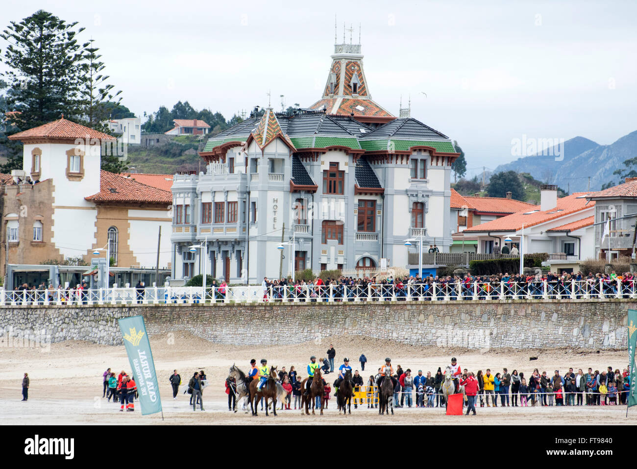 Ribadesella, Spain. 25th March, 2016. The horses after the start of the first race of horse race at Sta. Marina - Stock Image