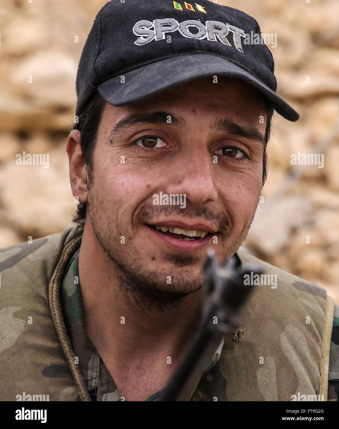 Palmyra, Syria. 26th Mar, 2016. A soldier of the Syrian government army at the Fahkr ad-Din al-Maani castle in Palmyra, Stock Photo