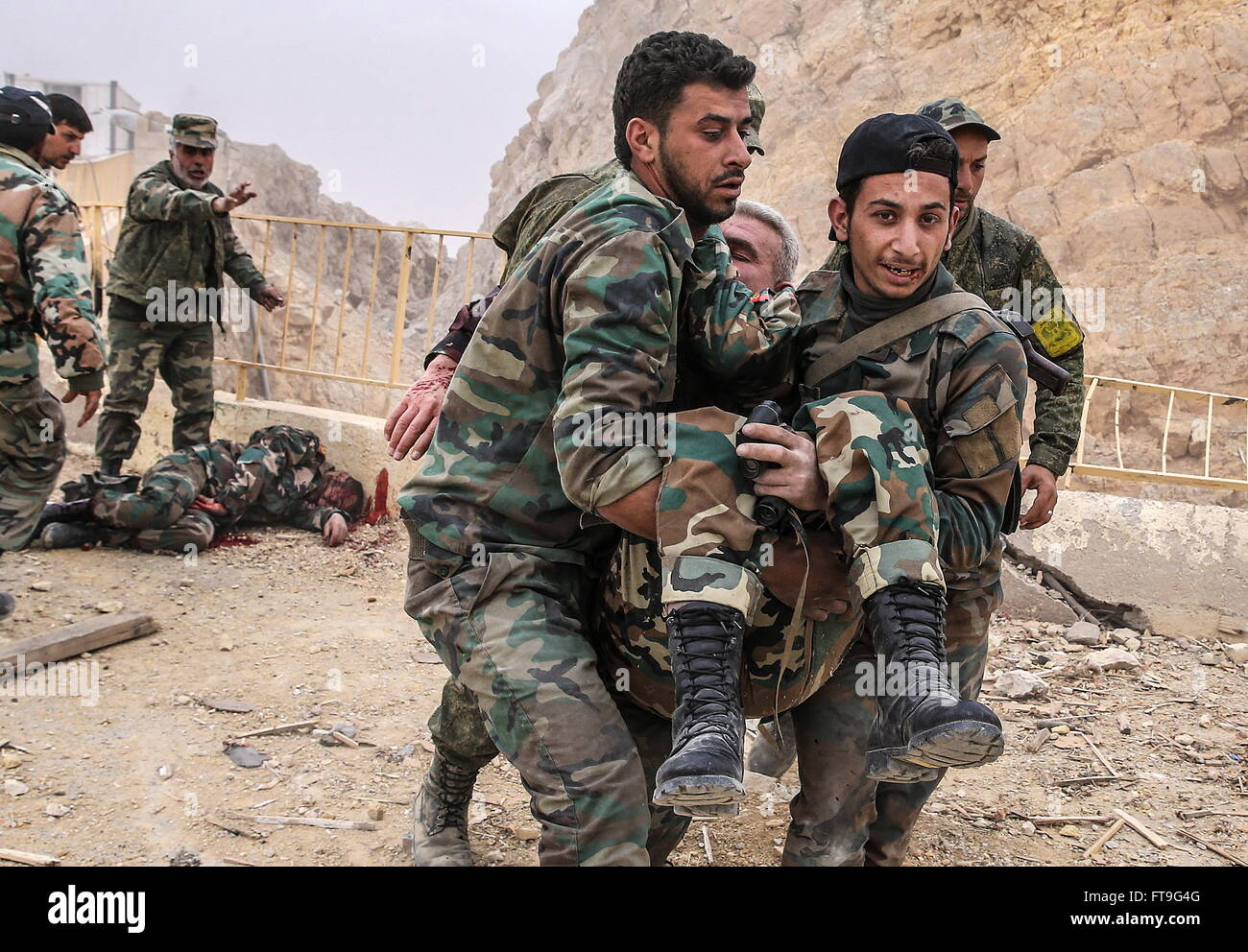 Palmyra, Syria. 26th Mar, 2016. An injured soldier of the Syrian government army at the Fahkr ad-Din al-Maani castle Stock Photo