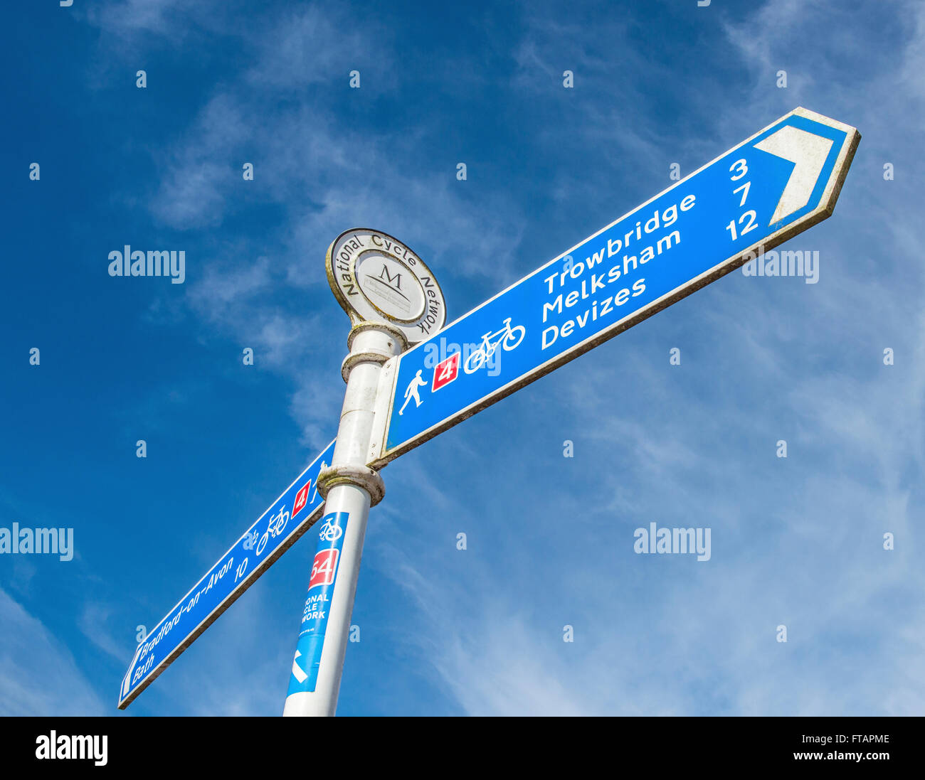 Signpost on the Kennet and Avon Cycle Route at Bradford on Avon, Wiltshire, England - Stock Image