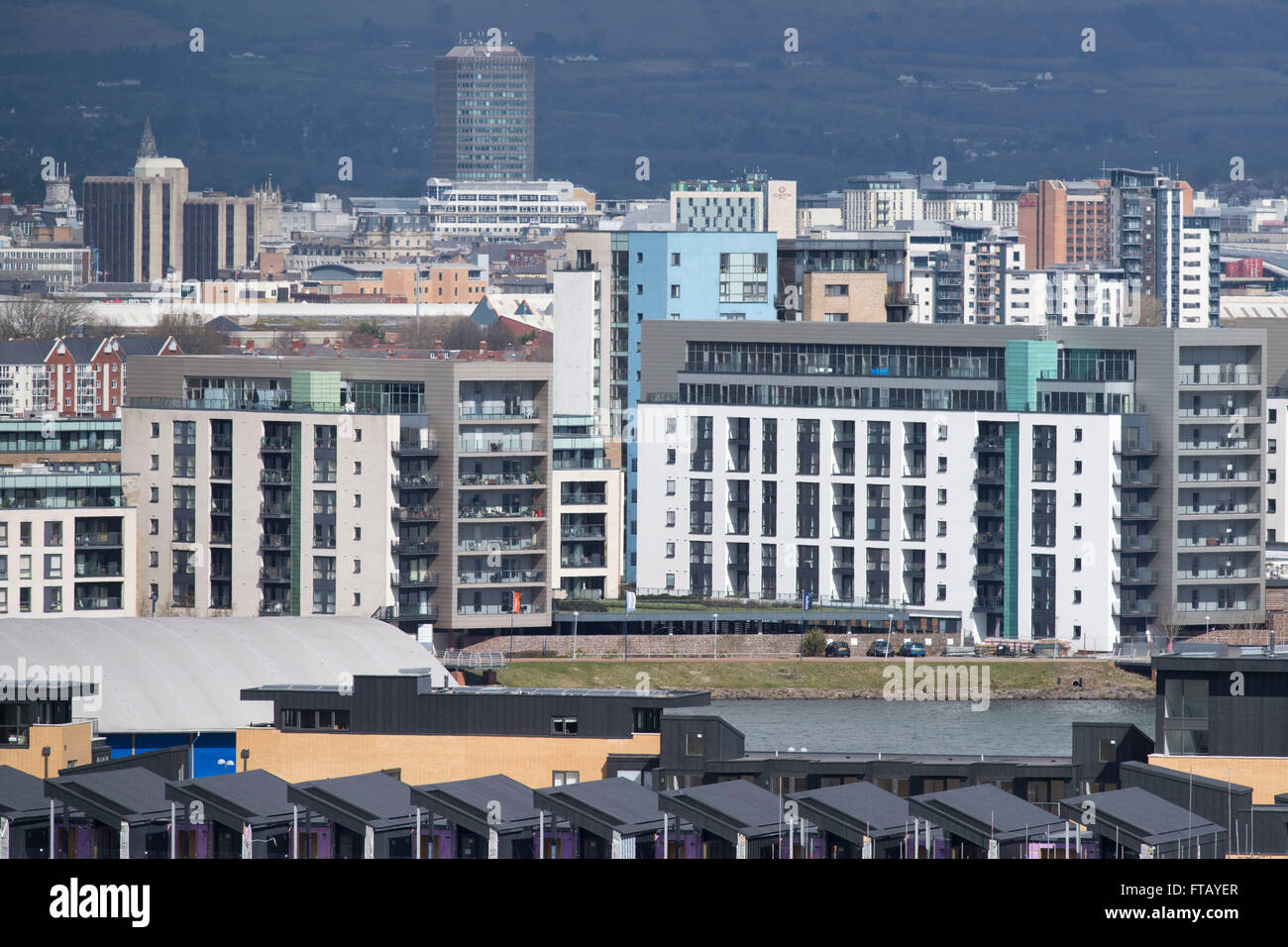 New build apartments in Cardiff Bay, south Wales. - Stock Image