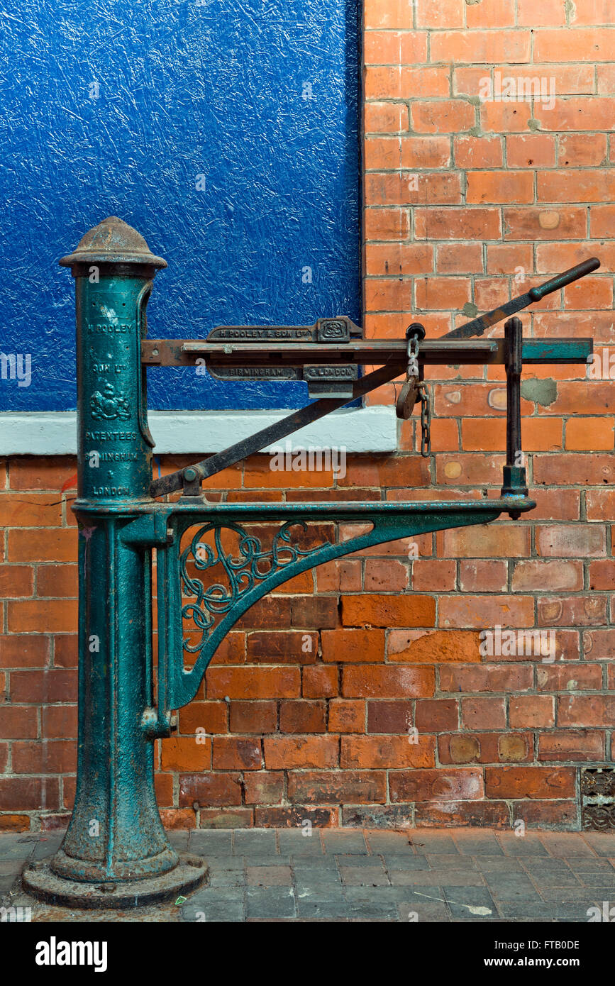 An old fashioned luggage/baggage weighing scales found within Skegness railway station Lincolnshire UK & An old fashioned luggage/baggage weighing scales found within Stock ...