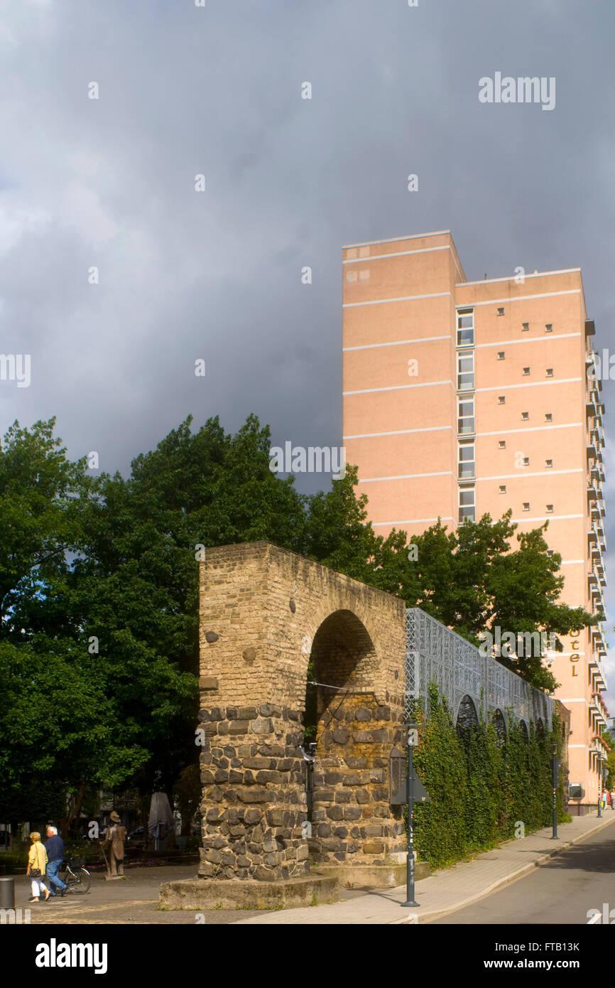 Deutschland, NRW, Neuss, alte Stadtbefestigung am Hamtorplatz - Stock Image