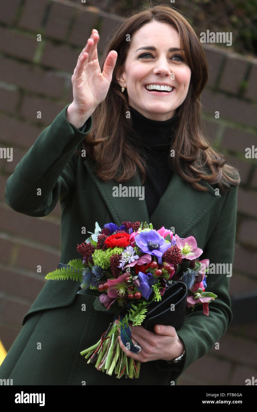 Catherine, Duchess of Cambridge visits Wester Hailes Education Centre. The Duchess of Cambridge joined an art class - Stock Image