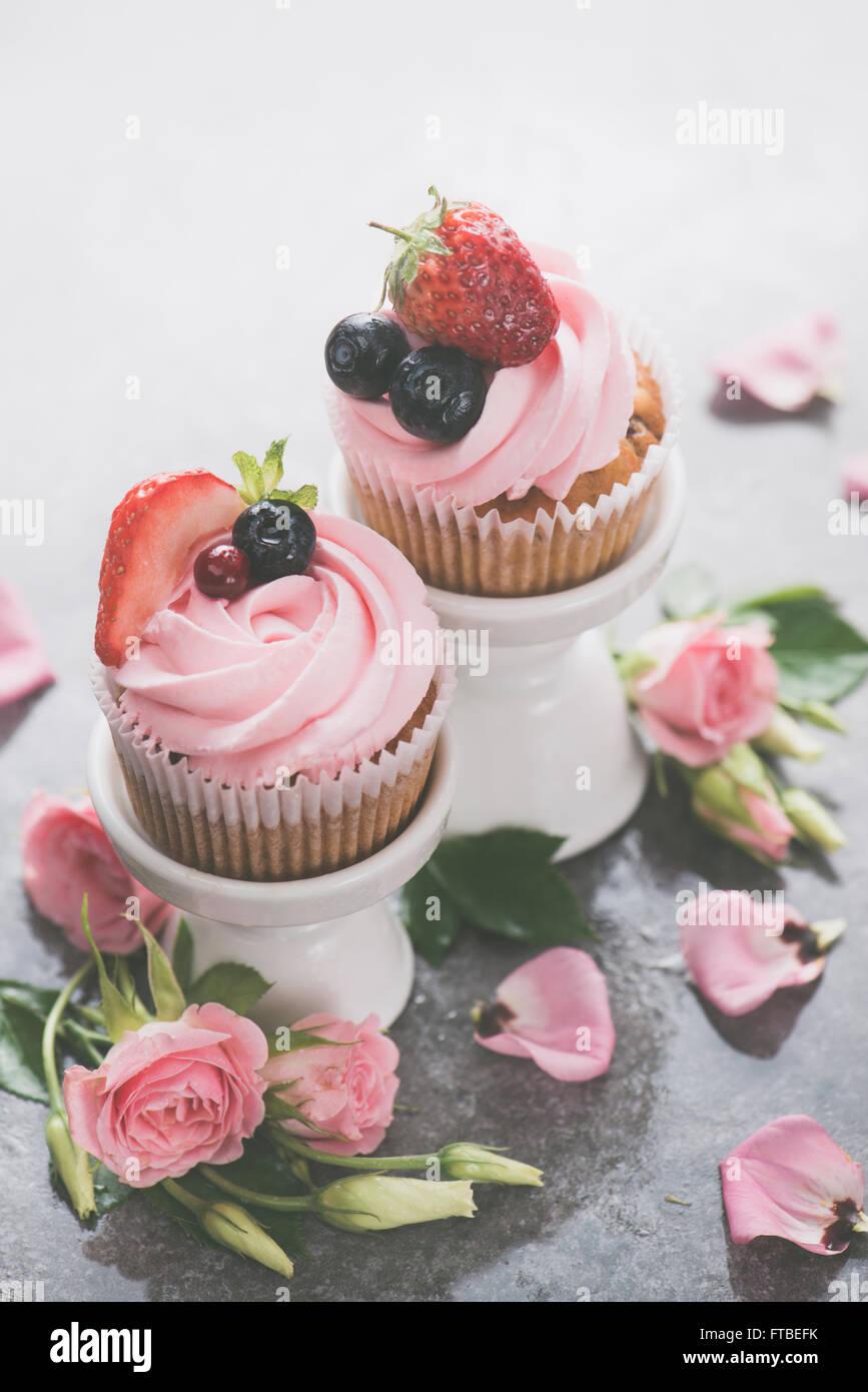 Pink spring cupcakes - Stock Image