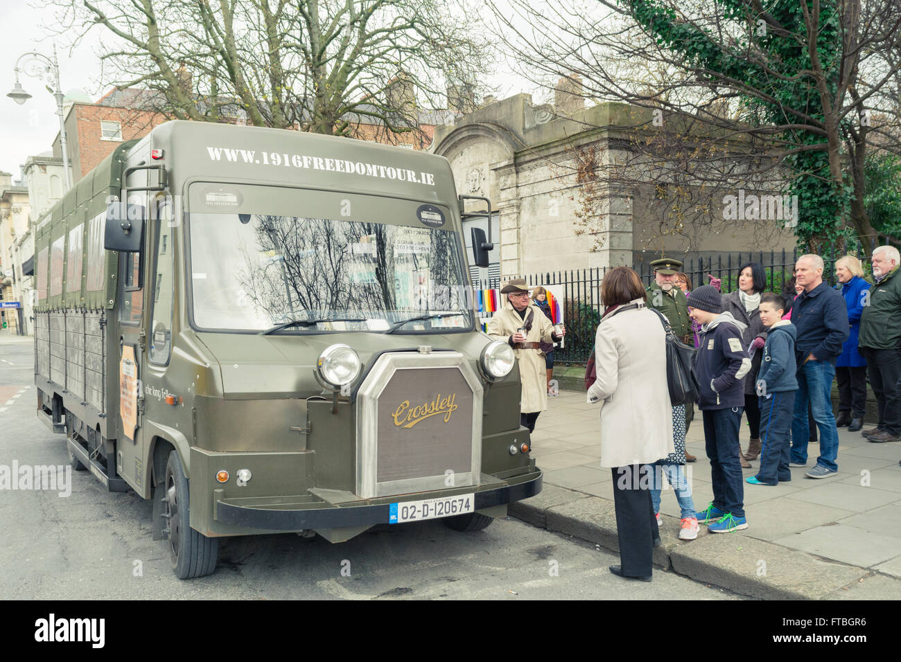 1916 freedom tour bus Dublin tourist attraction - Stock Image