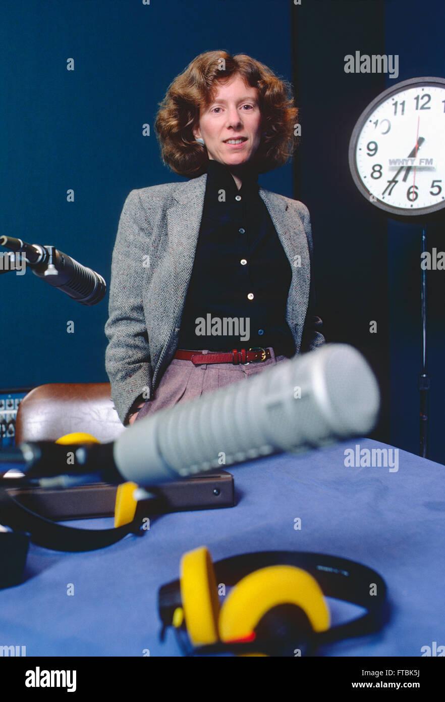 Portrait of Terry Gross, host of National Public Radio's 'Fresh Air'; WHYY FM studio; Philadelphia; - Stock Image