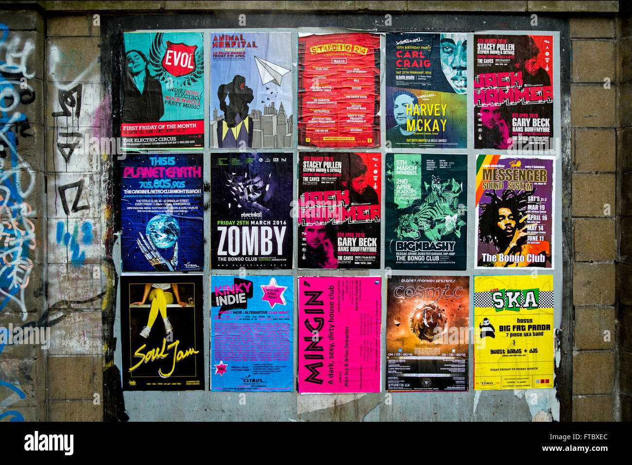 Posters advertising various nightclubs and events in Edinburgh. - Stock Image
