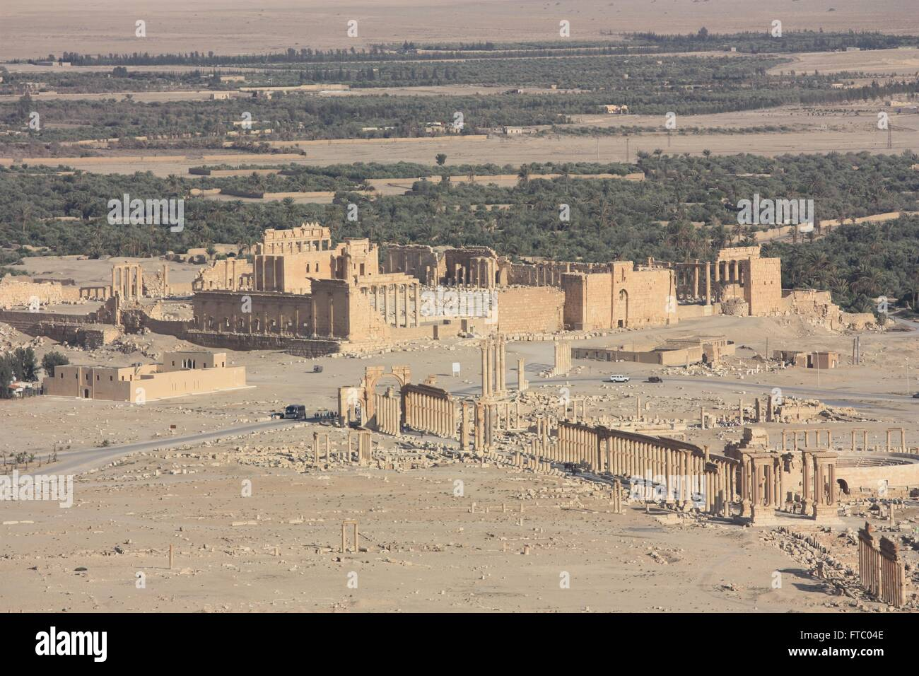 Ruins of the Qalaat Ibn Maan, Temple of Bel and colonnaded axis in the ancient Semitic city of Palmyra May 12, 2009 - Stock Image