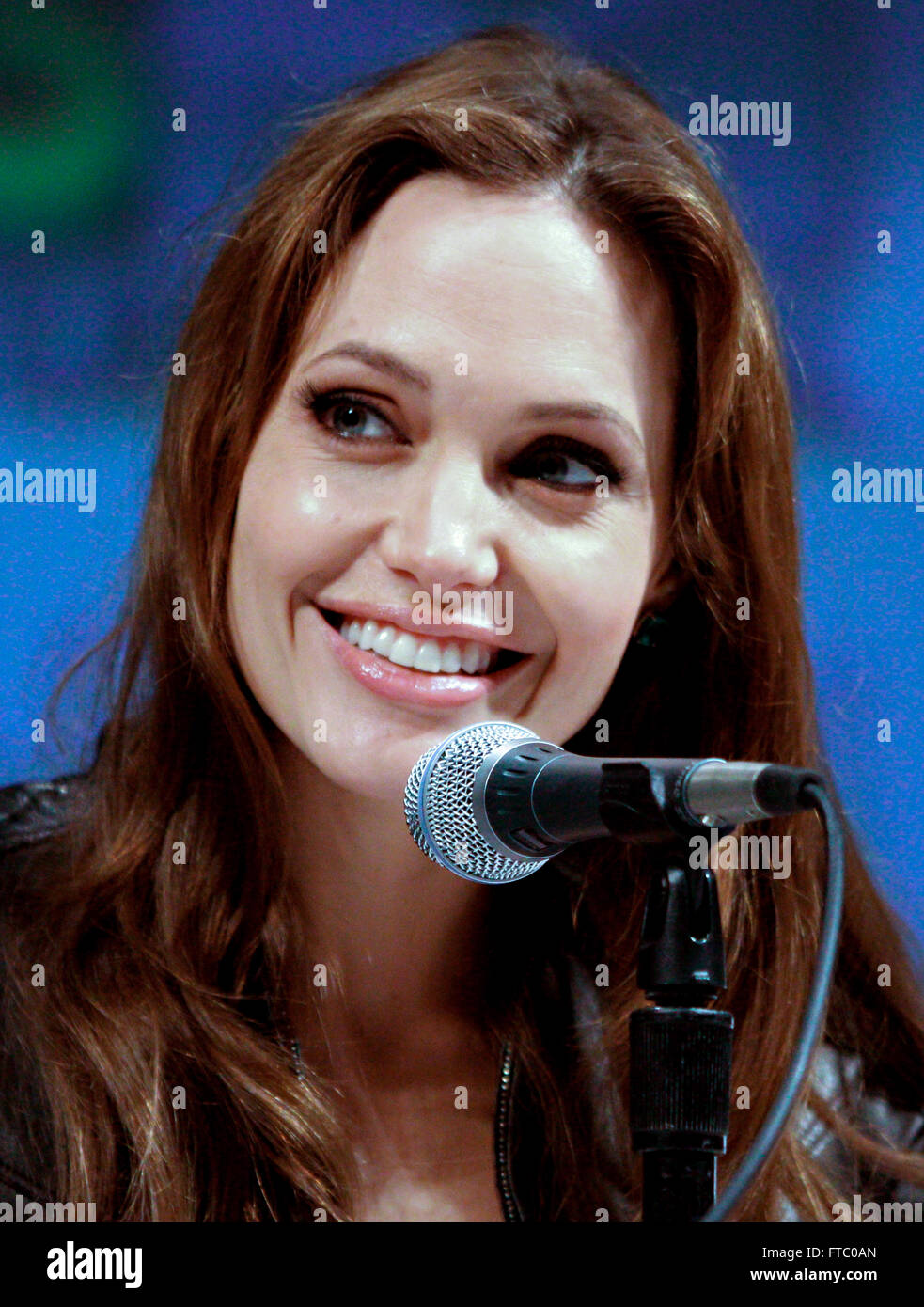 Actress Angelina Jolie Pitt discusses her movie Salt during the 2010 San Diego Comic Con July 22, 2010 in San Diego, - Stock Image