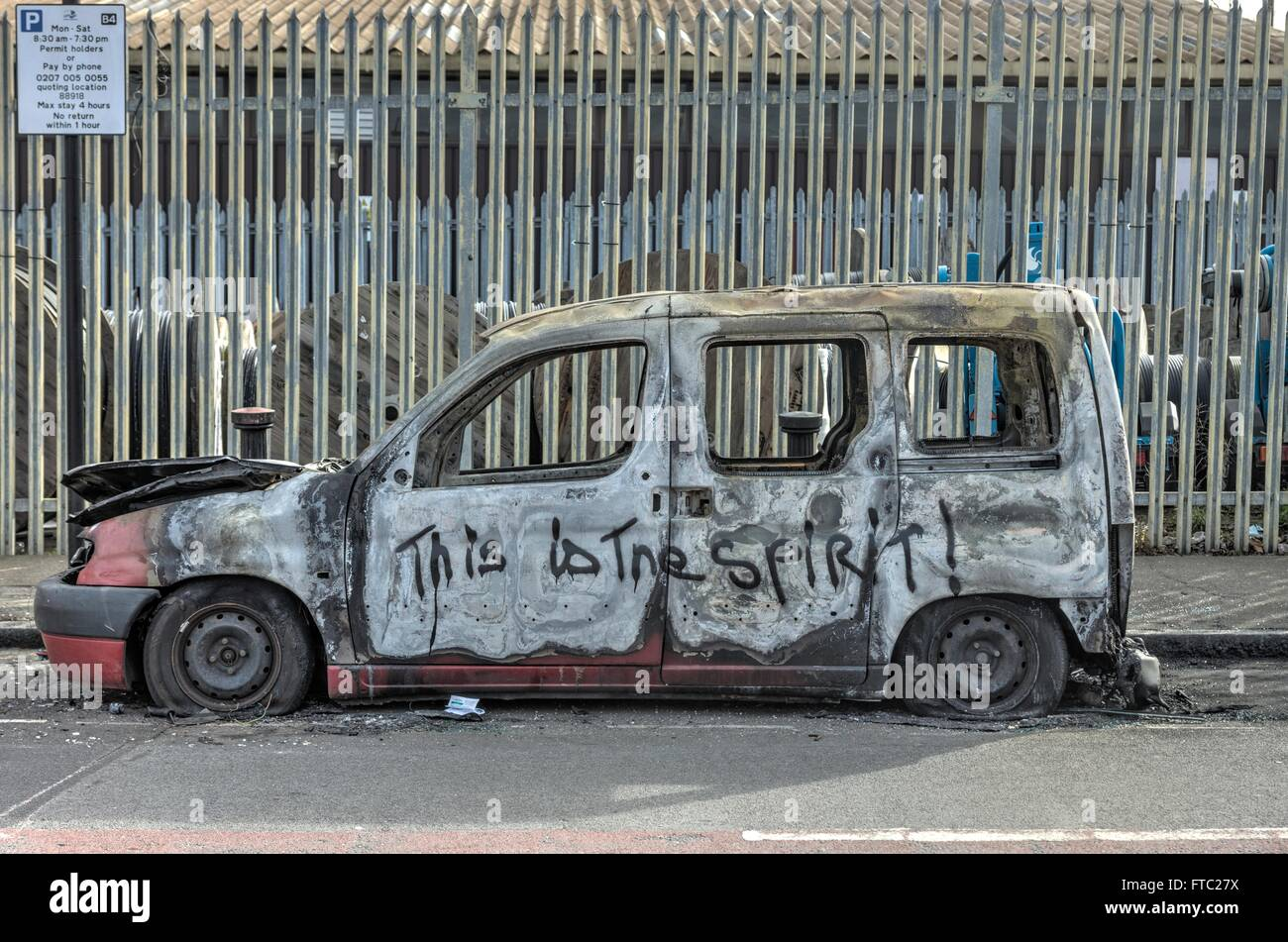 abandoned car, Hackney Wick - Stock Image