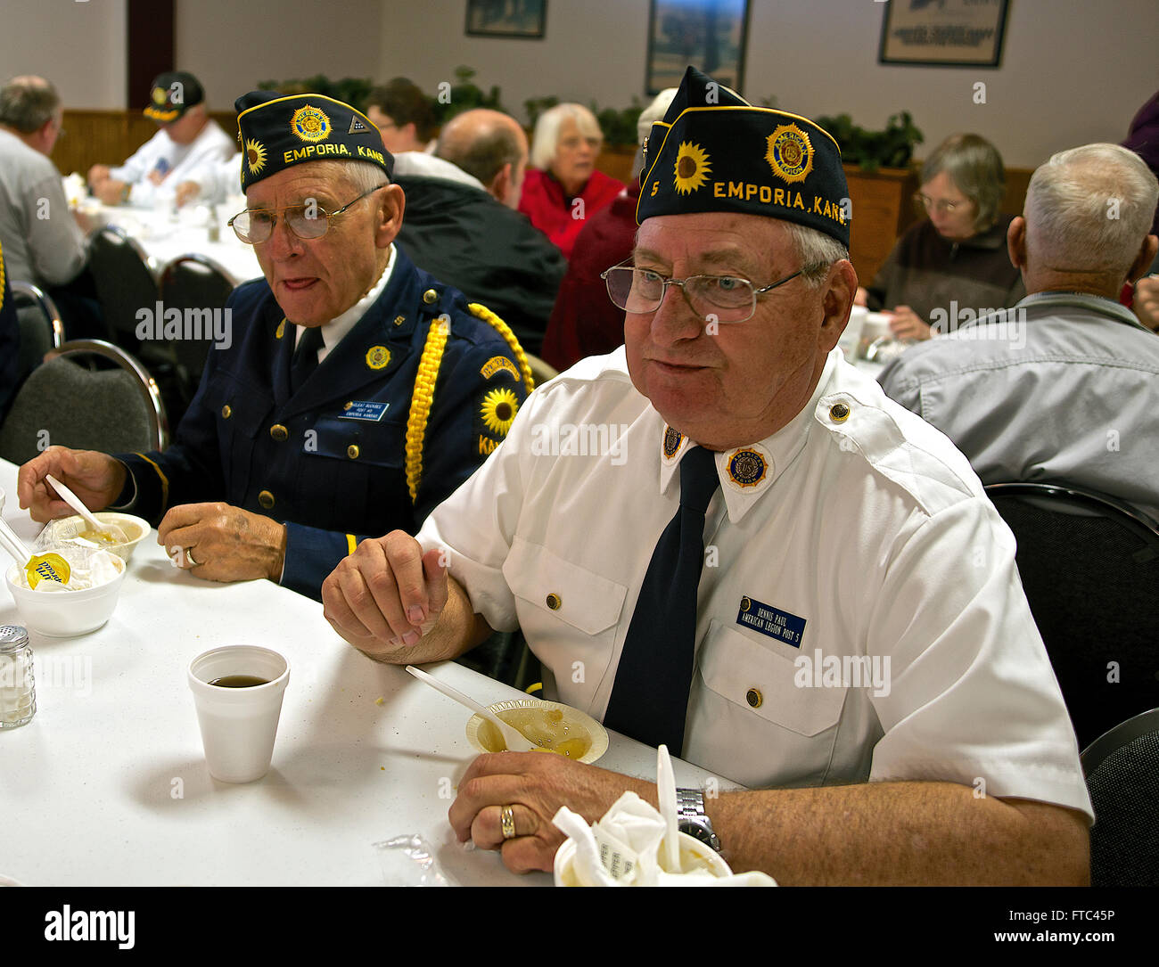 Emporia, Kansas, USA, 11th November, 2014 Cleat Buckbee (L) and Dennis Pearl both members of American Legion Post - Stock Image