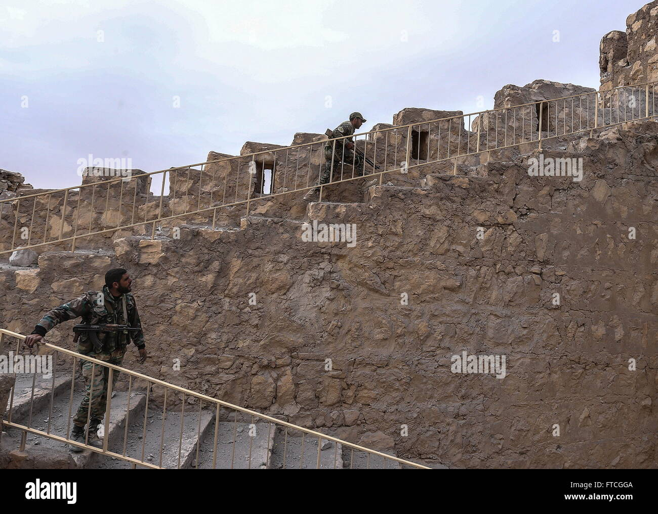Palmyria, Syria. 26th Mar, 2016. Syrian government army soldiers in Fakhr al-Din al-Maani Citadel in Palmyra, a Stock Photo