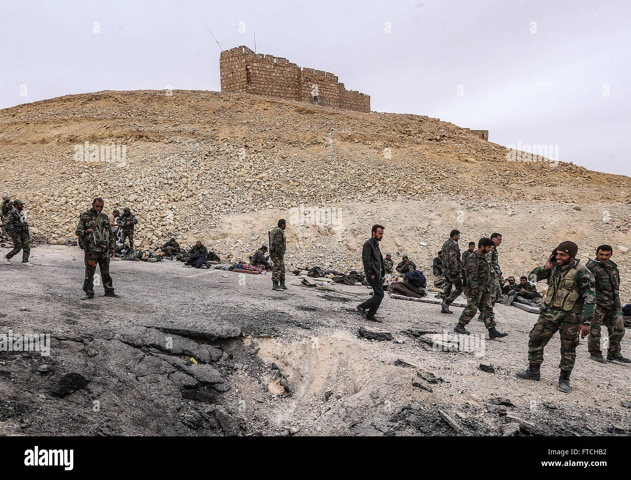 Palmyria, Syria. 26th Mar, 2016. Soldiers of the Syrian government army near Fakhr al-Din al-Maani Citadel in Palmyra, - Stock Image