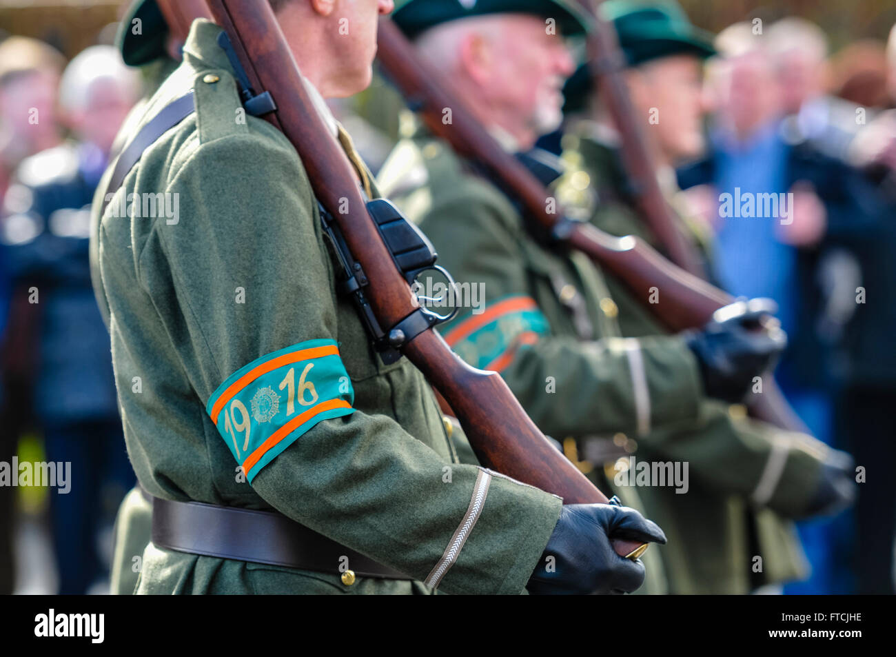 Belfast, Northern Ireland. 27 Mar 2016 - Men dressed as soldiers from the Irish Citizens Army with reproduction Stock Photo