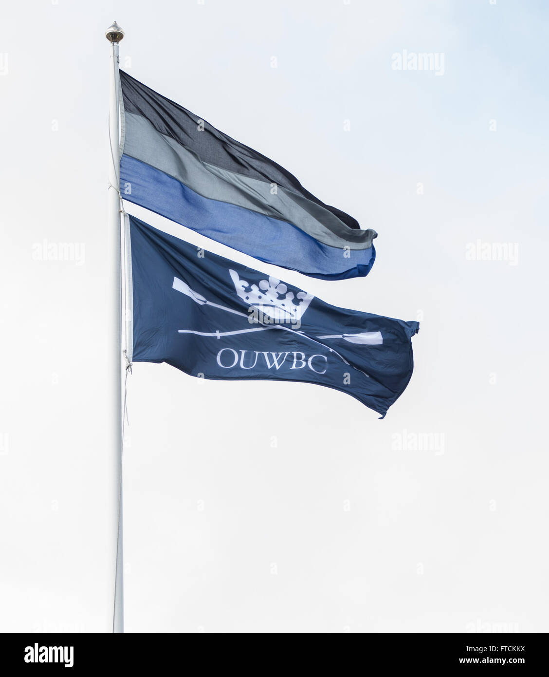 The Thames Tideway, London, UK. 27th Mar, 2016. The Cancer Research UK Boat Race. Oxford University Boat Club flag waving in the windy conditions Credit:  Action Plus Sports/Alamy Live News Stock Photo