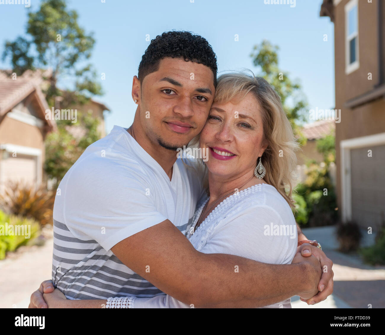 son and mother dating