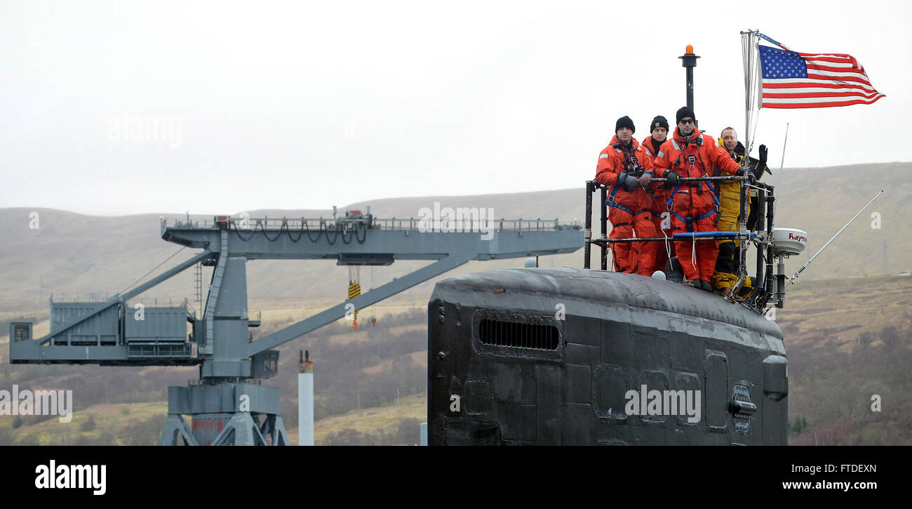 160322-N-ZZ999-008 FASLANE, United Kingdom (March 22, 2016) The Virginia-class attack submarine USS Virginia (SSN - Stock Image