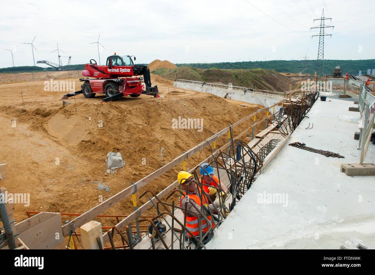 BRD, Deutschland, NRW, Rhein-Kreis Neuss, Braunkohletagebau Garzweiler, Baustelle der neuen Trasse der Autobahn Stock Photo