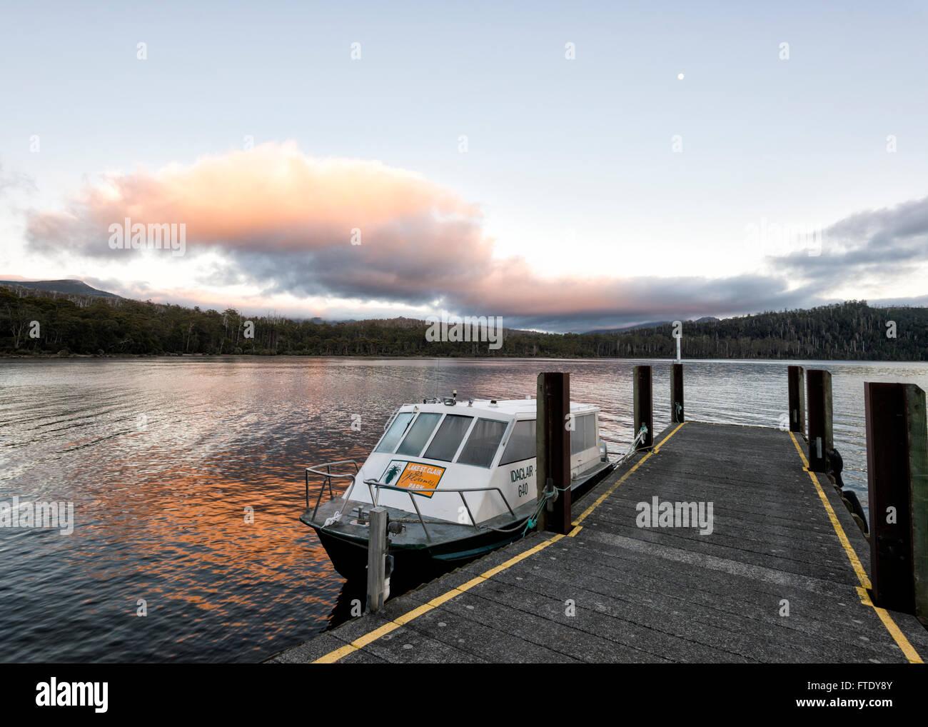 Sunrise at Lake St Clair, Cradle Mountain-Lake St Clair National Park, Tasmania, TAS, Australia - Stock Image