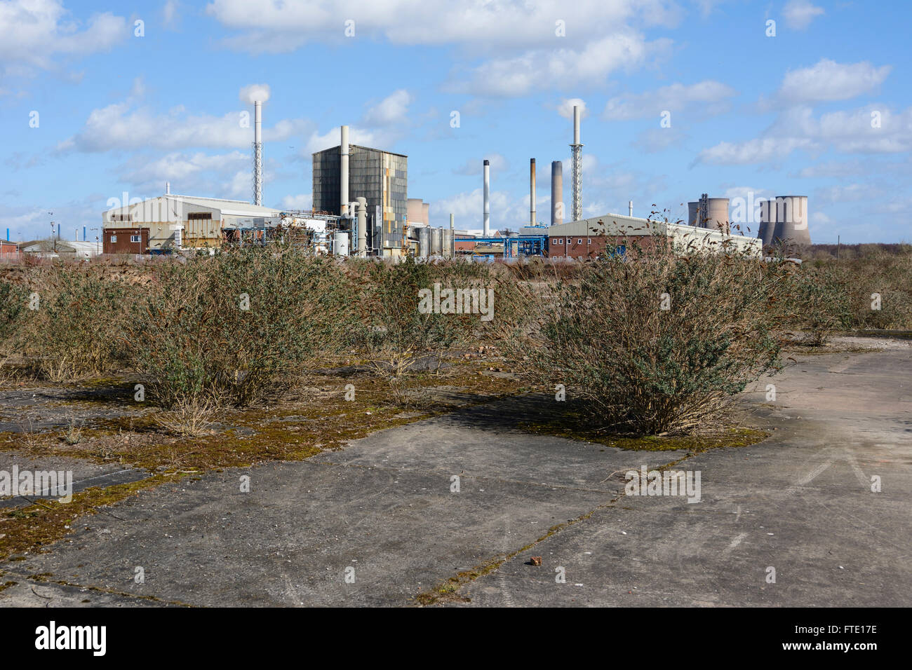 Once a heavily industrialised area with chemical works stretching from West Bank in Widnes to the power station. - Stock Image
