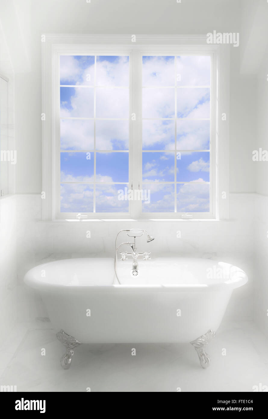 Deep Bath Tub In Dreamy Luxury Bath Room - Stock Image
