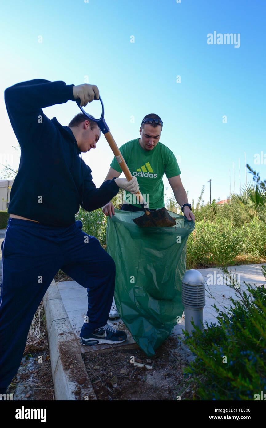 131120-N-QL471-072: LIMASSOL, Cyprus (Nov. 20, 2013) - Boatswain's Mate Seaman Apprentice Cody Smith, left, - Stock Image