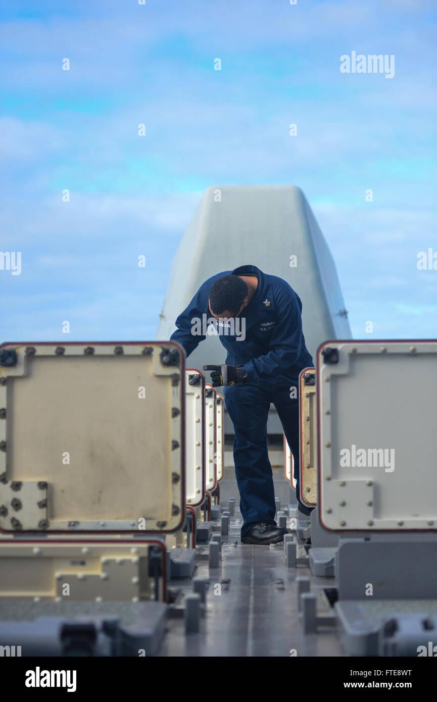 131230 131230-n-ql471-162 atlantic ocean (dec. 30, 2013) gunner's