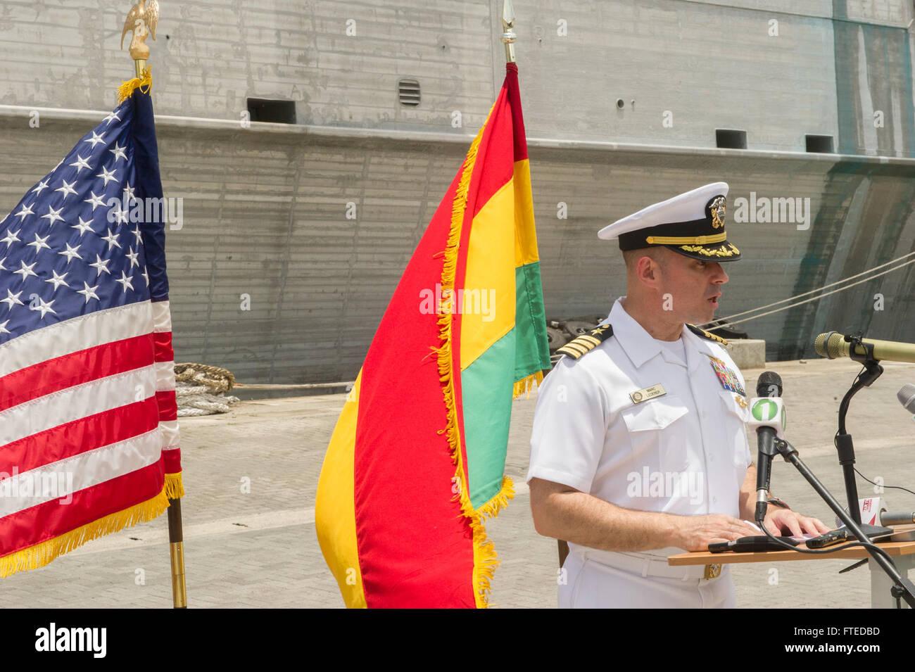 140411-N-ZY039-103 SEKONDI, Ghana (April 11, 2014) - U.S. Navy Capt. Marc Lederer, mission commander aboard joint, - Stock Image